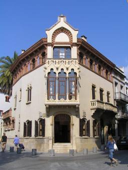 Façana de la Casa museu Lluís Domènech i Montaner